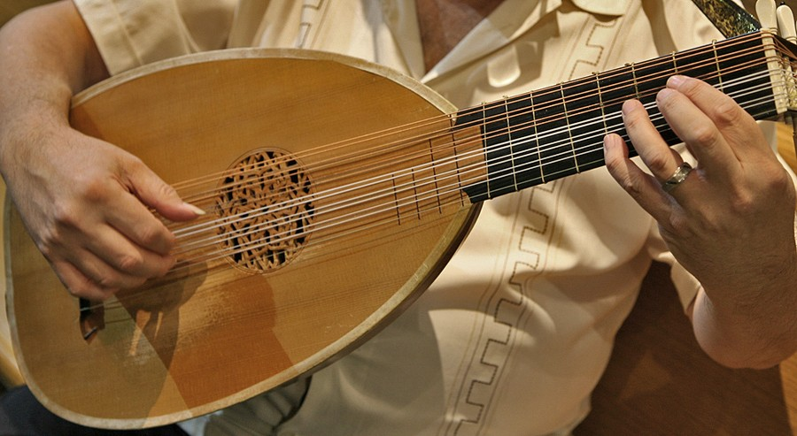 John Hedger on the lute - Photo by J. P. Fields